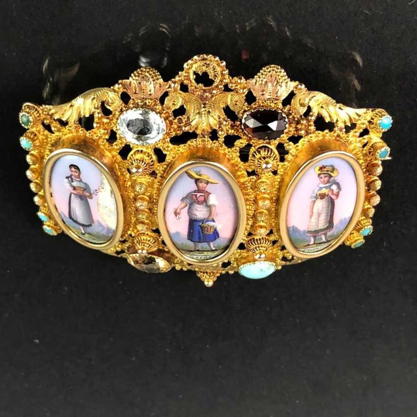 Unique Brooch: Yellow Gold 750. Porcelain Miniatures with Swiss Costumes. Estate of Konstantin von Tischendorf. - photo 6