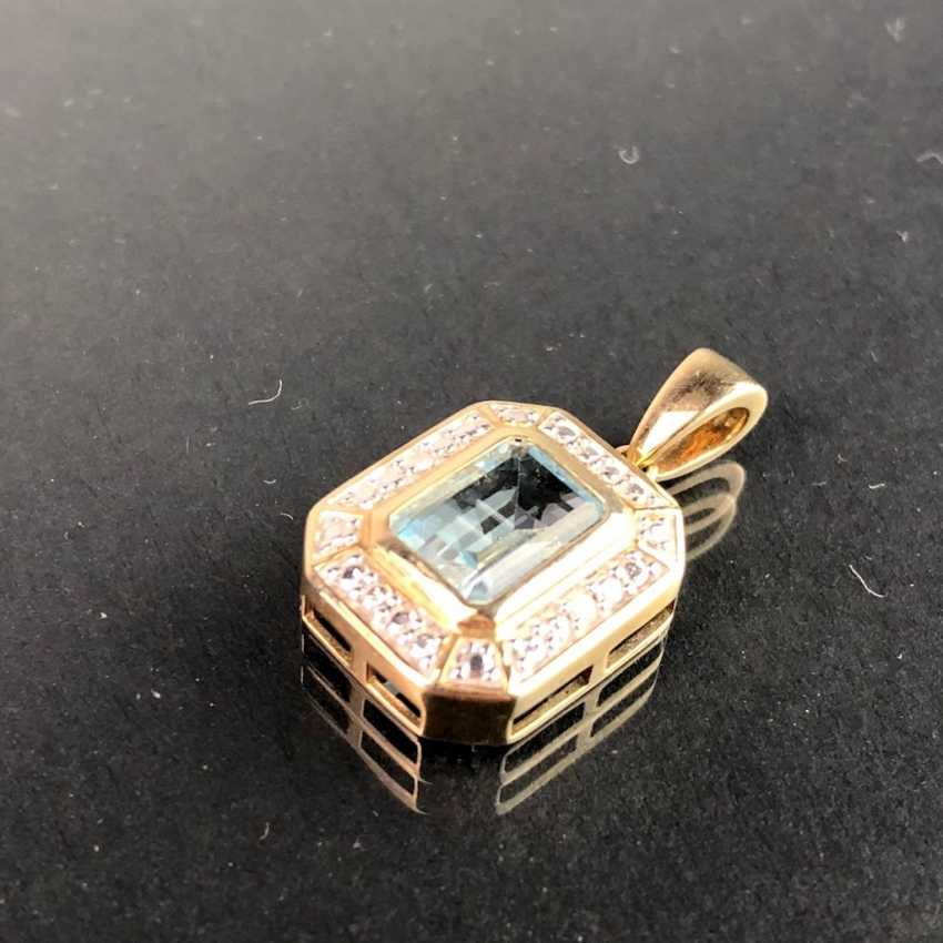 Elegant Pendant: Yellow Gold / White Gold 585, Topaz, Diamonds. Very nice. - photo 2