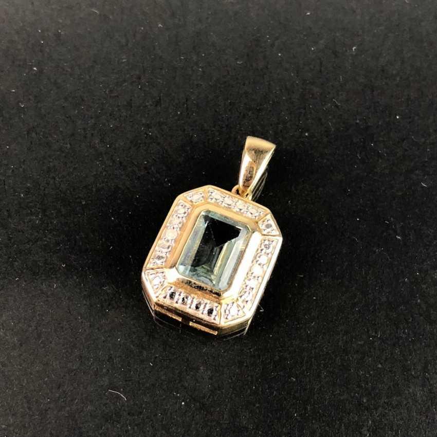 Elegant Pendant: Yellow Gold / White Gold 585, Topaz, Diamonds. Very nice. - photo 3