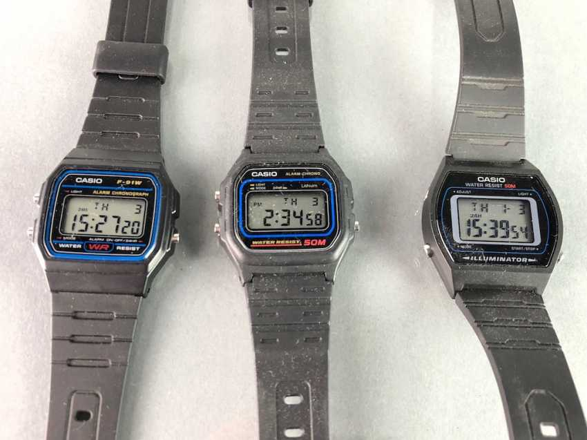 Three CASIO watches / bracelet watches. Unworn, from a watchmaker's estate. Perfectly. - photo 2