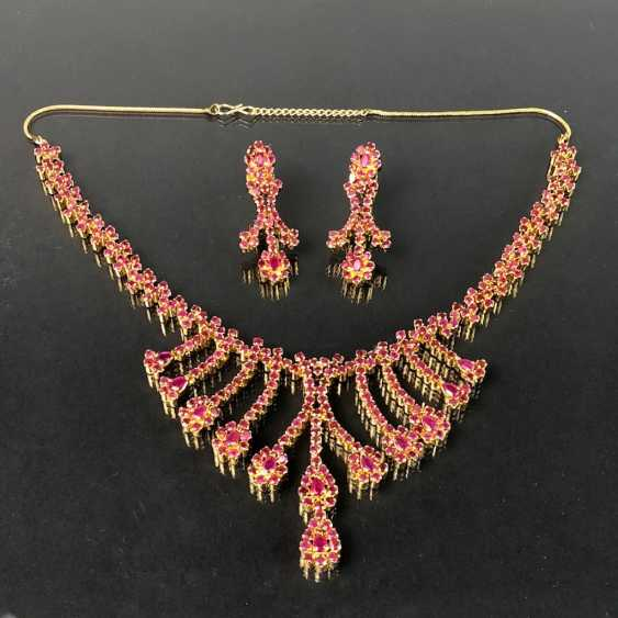 Exceptional necklace and earrings with rubies - photo 1