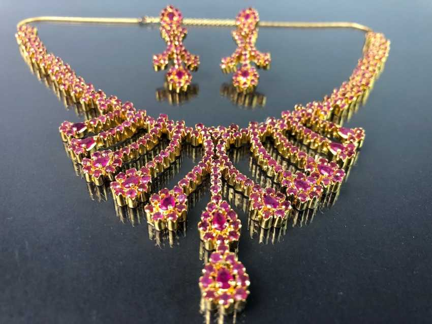 Exceptional necklace and earrings with rubies - photo 2