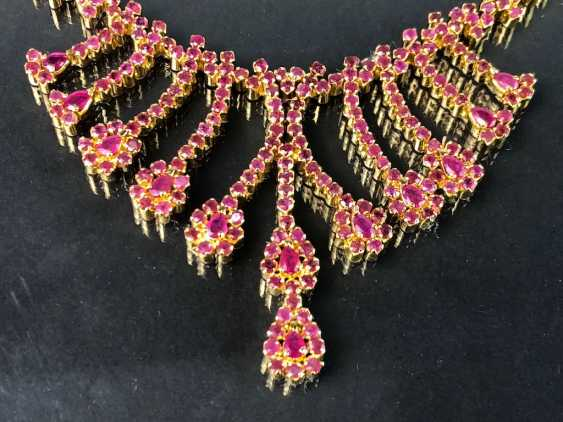 Exceptional necklace and earrings with rubies - photo 3
