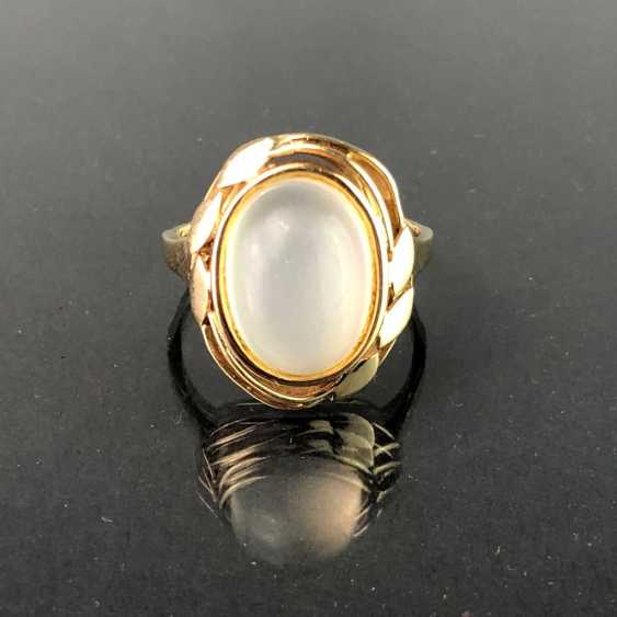 Ladies ' ring with moon stone. Yellow gold 375. - photo 3