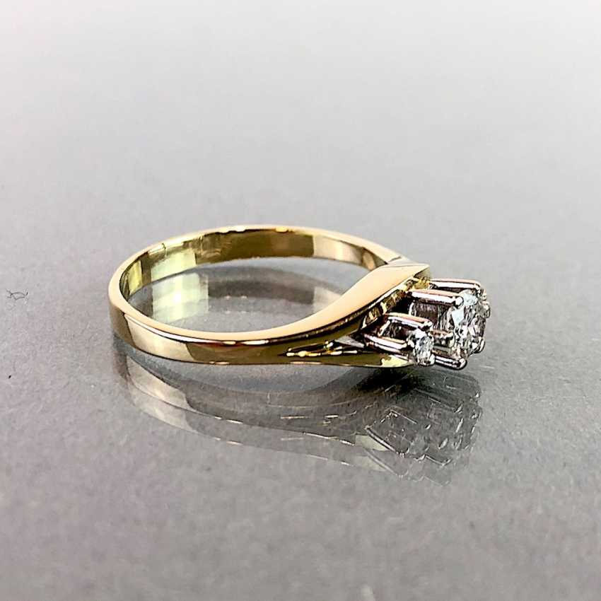 Ladies ring with diamonds: 0,3 carats and two 0.05 carat. Yellow gold 585. Very good. - photo 2