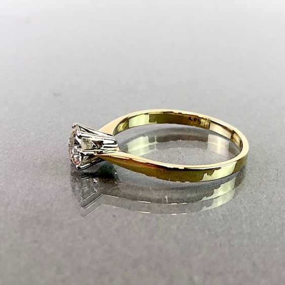 Ladies ring with diamonds: 0,3 carats and two 0.05 carat. Yellow gold 585. Very good. - photo 3