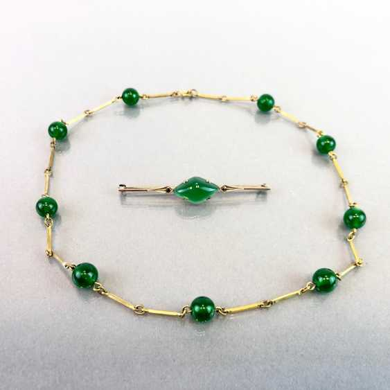 Jade-jewellery-Set bar brooch with Jade and vintage solid. Necklace with any balls. Art-Deco, 1930. - photo 3