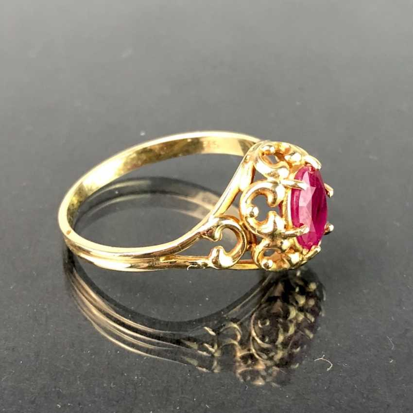 Ladies ring with ruby, 1 carat. Yellow gold 585. Very nice. - photo 2