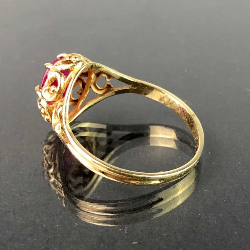 Ladies ring with ruby, 1 carat. Yellow gold 585. Very nice. - photo 3