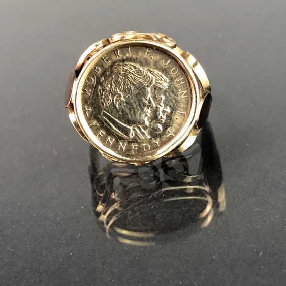 """Дамы кольцо с монетой """"Роберт ф. Джон ф. Кеннеди"""". Сбор Желтого Золота 333. - фото 1"""