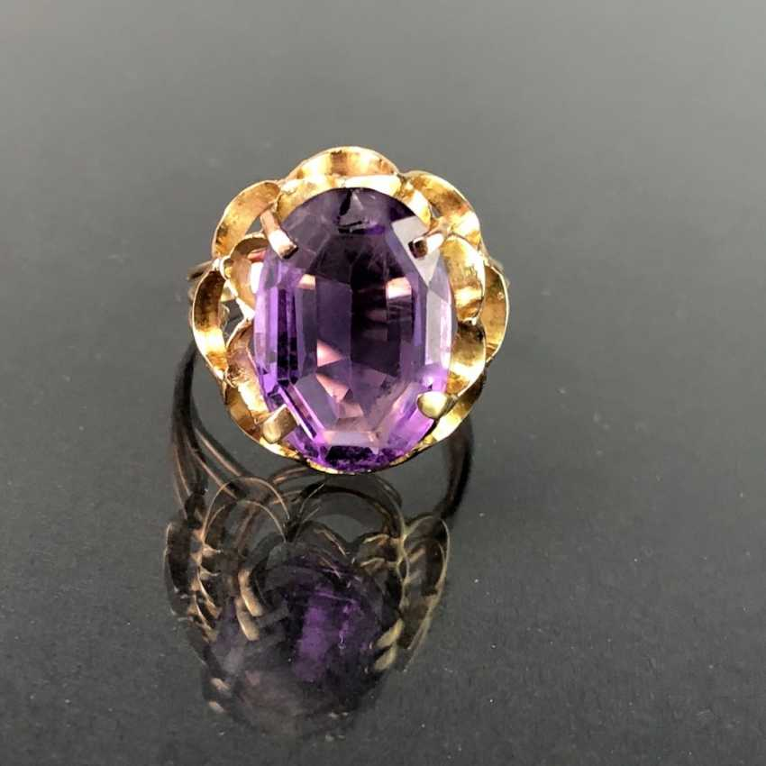 Ladies ring with a large Amethyst. Yellow gold 585. Very nice. - photo 1