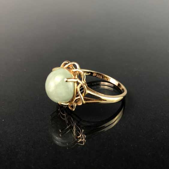Ladies ring with Jade. Yellow gold 585. Very nice. - photo 2