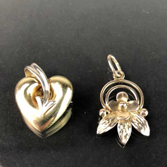 Two pendants: flower pendants and heart pendants. Yellow gold 333. - photo 2