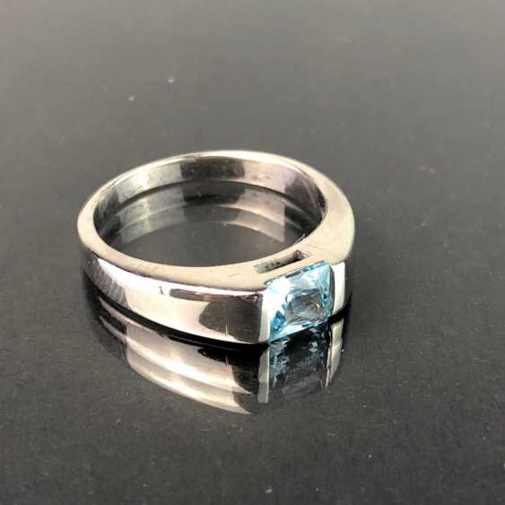 Timeless ladies ring: Topaz in the Swiss blue. Silver 925 rhodium-plated, very solid, very good. - photo 3