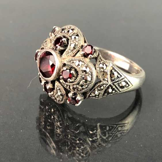 Timeless ladies ring: garnet and vintage solid. Silver 925 rhodium-plated, very solid, very good. - photo 2