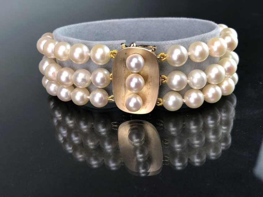 High quality bracelet: yellow gold 585, and three rows of Akoya pearls. Very good. - photo 2