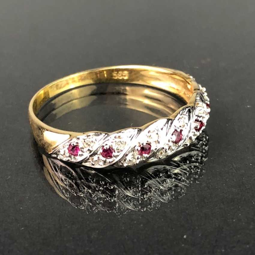 Ladies ring / locking ring: yellow gold and white gold 585, rubies, and diamonds. - photo 2