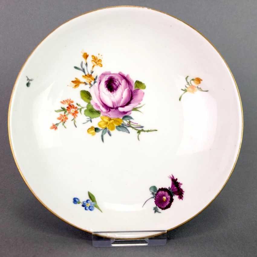 Johann Joachim Kaendler for Meissen porcelain: Cup and saucer. To 1760. Flower bouquett. Rare, very good. - photo 2