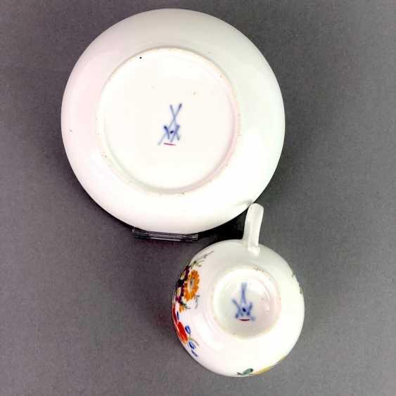 Johann Joachim Kaendler for Meissen porcelain: Cup and saucer. To 1760. Flower bouquett. Rare, very good. - photo 7