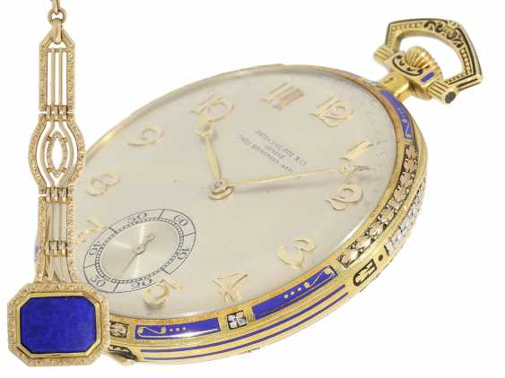 Pocket watch: Patek Philippe Gold/enamel Art Deco Frackuhr in a special 3-tone design with matching Chatelaine, CA. 1925 - photo 1
