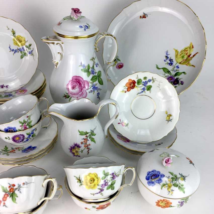 service th porcelaine de meissen d cor de fleur 2. Black Bedroom Furniture Sets. Home Design Ideas
