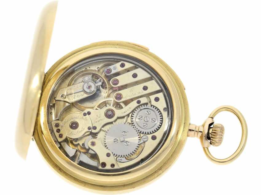 "Pocket watch: particularly heavy English gold savonnette with an extremely rare percussion, ""Carillon"" with 4-Hammer minute repeater, Constant Piguet/ Barbezat Bole le Locle, CA. 1910 - photo 2"