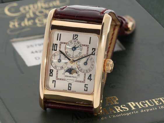 "Watch: sophisticated rectangular, 18K pink gold gentleman's wristwatch Audemars Piguet ""Edward Piguet Perpetual Calendar"" Ref. 25799OR, with original box and original papers - photo 1"