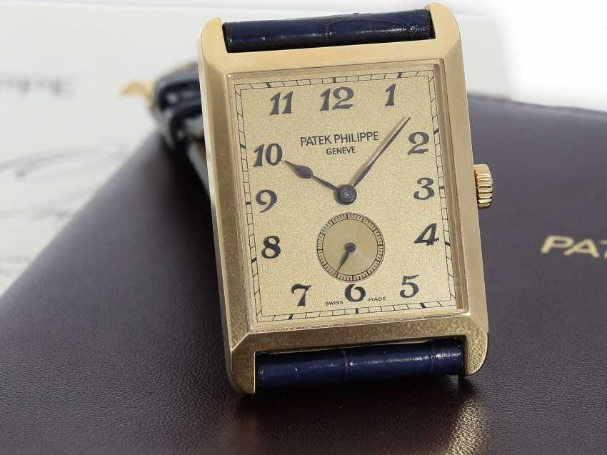 "Watch: very large, rectangular, 18K yellow Gold gentleman's wrist watch Patek Philippe ""Gondolo Rectangulaire Jumbo"", Ref.5109J, from the year 2005, excellent condition, with papers - photo 1"