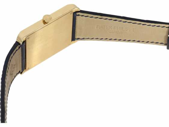 "Watch: very large, rectangular, 18K yellow Gold gentleman's wrist watch Patek Philippe ""Gondolo Rectangulaire Jumbo"", Ref.5109J, from the year 2005, excellent condition, with papers - photo 2"