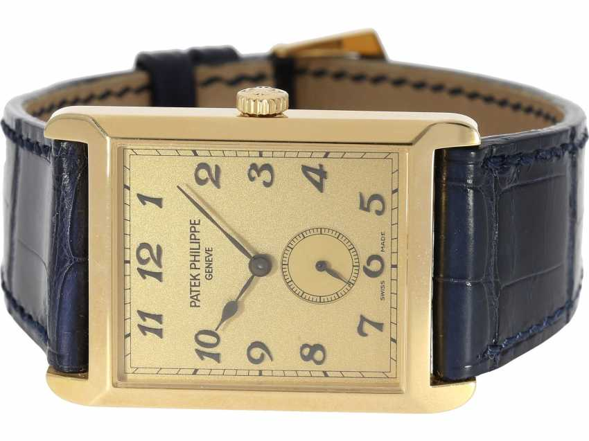 "Watch: very large, rectangular, 18K yellow Gold gentleman's wrist watch Patek Philippe ""Gondolo Rectangulaire Jumbo"", Ref.5109J, from the year 2005, excellent condition, with papers - photo 4"