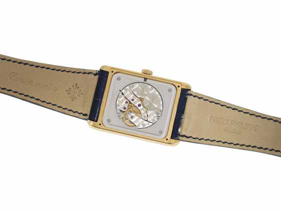"Watch: very large, rectangular, 18K yellow Gold gentleman's wrist watch Patek Philippe ""Gondolo Rectangulaire Jumbo"", Ref.5109J, from the year 2005, excellent condition, with papers - photo 6"