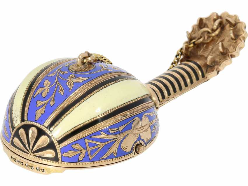 "Anhängeuhr/Formuhr: Gold/enamel Formuhr of outstanding quality, the ""Neapolitan mandolin"", Paris, 1830, cf. the collection of Sandberg p. 446-447 - photo 1"