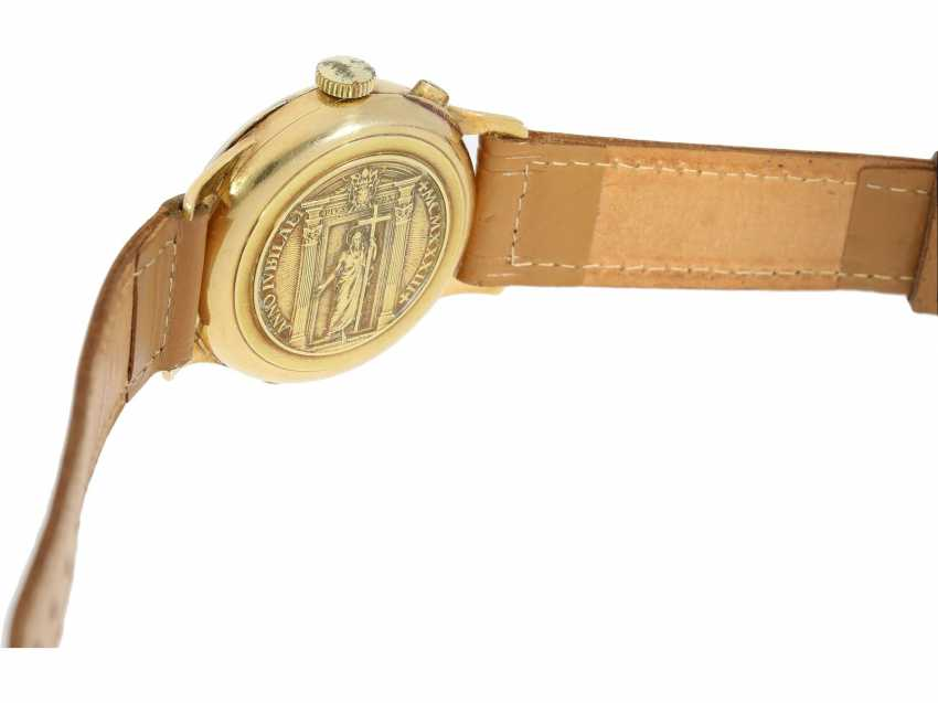 Watch: a unique, large Chronograph with a relief enclosure, made on the occasion of the jubilee year in 1933, Pope Pius XI, in Relief of Huguenin, Henry Moser, No. 8271, CA. 1933 - photo 2