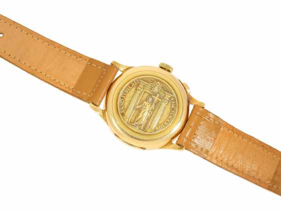Watch: a unique, large Chronograph with a relief enclosure, made on the occasion of the jubilee year in 1933, Pope Pius XI, in Relief of Huguenin, Henry Moser, No. 8271, CA. 1933 - photo 6