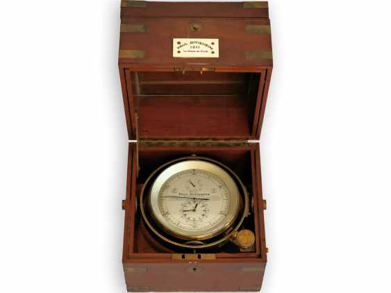 """Marine chronometer: an important marine chronometer with sweep seconds and additional very rare electric minute impulse, Paul Ditisheim """"Central Seconds Marine Chronometer, mon.1011"""", CA. 1920 - photo 3"""