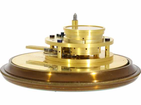 """Marine chronometer: an important marine chronometer with sweep seconds and additional very rare electric minute impulse, Paul Ditisheim """"Central Seconds Marine Chronometer, mon.1011"""", CA. 1920 - photo 4"""