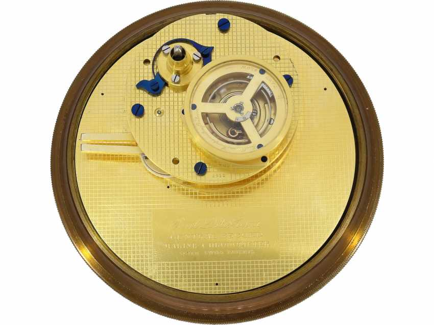 """Marine chronometer: an important marine chronometer with sweep seconds and additional very rare electric minute impulse, Paul Ditisheim """"Central Seconds Marine Chronometer, mon.1011"""", CA. 1920 - photo 6"""