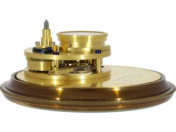 """Marine chronometer: an important marine chronometer with sweep seconds and additional very rare electric minute impulse, Paul Ditisheim """"Central Seconds Marine Chronometer, mon.1011"""", CA. 1920 - photo 9"""