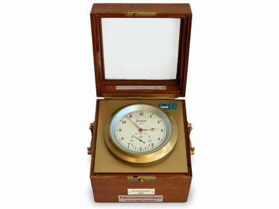Marine chronometer: rare glashütte Chronometer, by VEB glashütter uhrenbetriebe Glashütte/Sa., Caliber 71 Quartz Marine Chronometers, 1975-1990 - photo 2