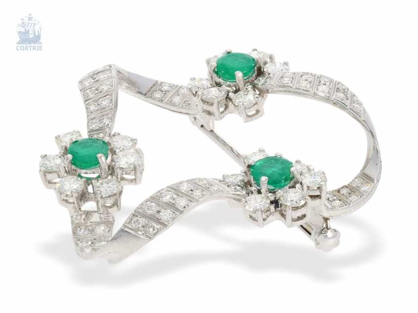 caebe200a Brooch/needle: tasteful and high quality vintage diamond/emerald-loop  brooch ,