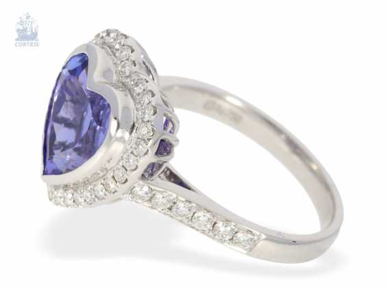 Ring: very high-quality gold-wrought ring with a beautiful heart tanzanite and fine diamonds, never worn from a business resolution - photo 2