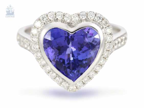 Ring: very high-quality gold-wrought ring with a beautiful heart tanzanite and fine diamonds, never worn from a business resolution - photo 4