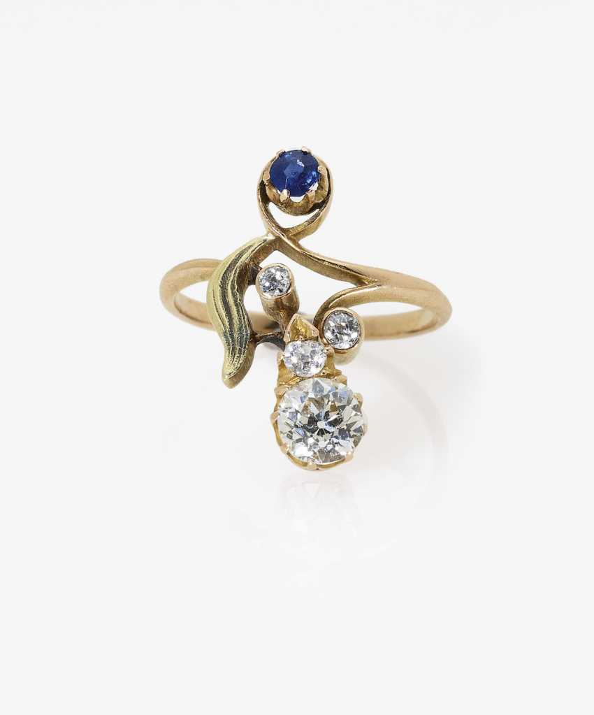 Art Nouveau ring with diamonds and sapphire. Russia, around 1910 - photo 2