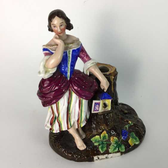 Decorative figure / porcelain figure / vase figure: lady with a bird house on a tree stump, painted. 19. Century - photo 1