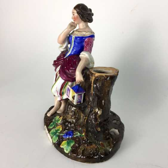 Decorative figure / porcelain figure / vase figure: lady with a bird house on a tree stump, painted. 19. Century - photo 4
