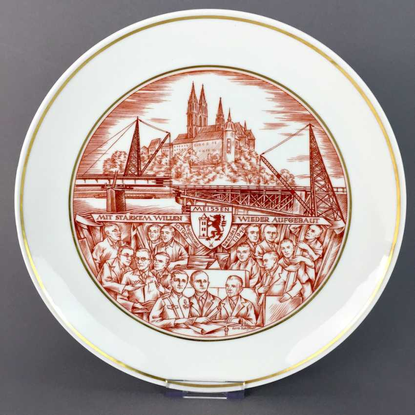 Gerhard Schiffner for the state porcelain manufactory Meissen honorary gift plate reconstruction Meissen 1946, rare. - photo 1