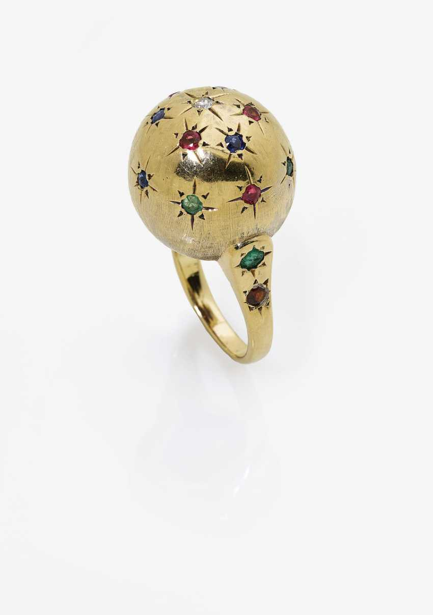 Cocktail ring with rubies, sapphires, emeralds and a brilliant-cut diamond. USA, 1950s - photo 1