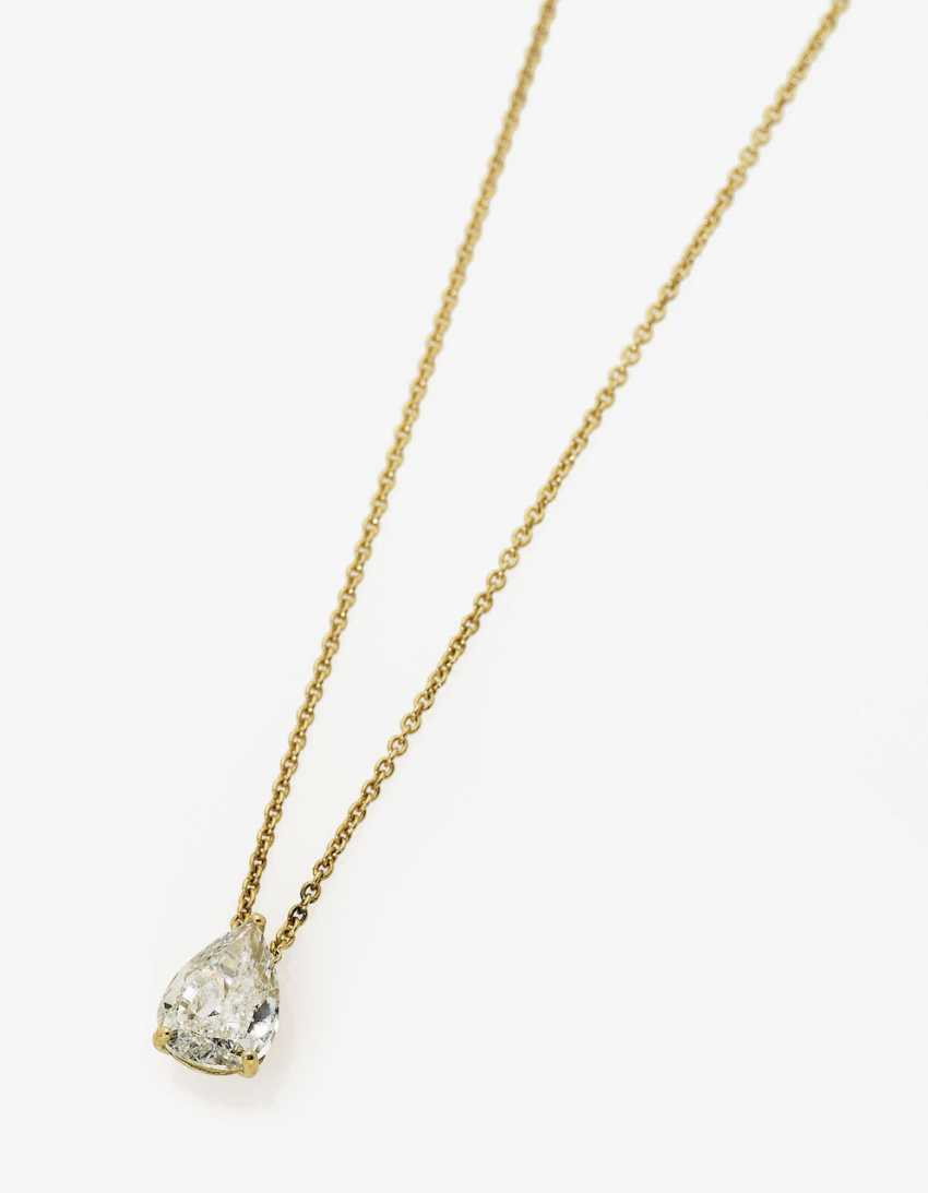 Pendant necklace with a solitaire pear-cut diamonds. Paris, 2014, GALLERY of the DIAMOND - photo 1