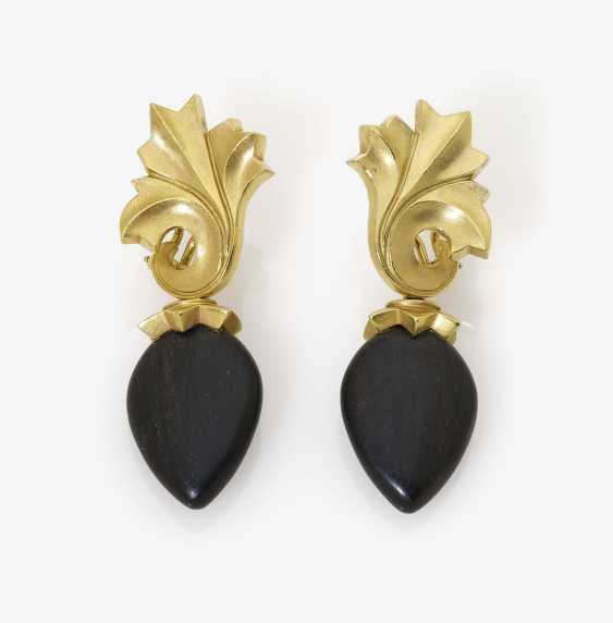 A Pair of drop earrings with ebony wood. Munich, FOCHTMANN - photo 1