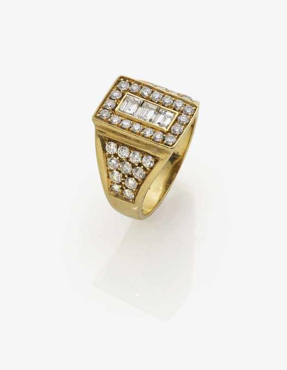 Ring with diamonds. Italy, 2. Half of the 20. Century - photo 1